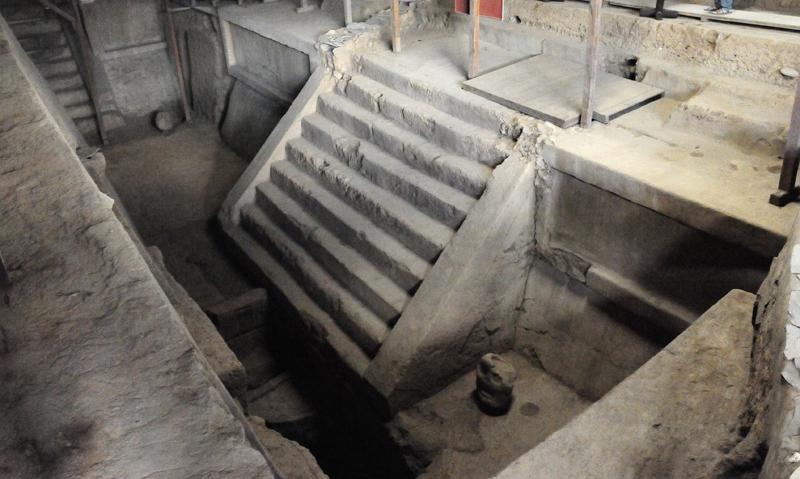 kaminaljuyu-stairs